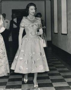 DATE:September 26 1956 D:Princess Margaret arrives at dinner in Mombasa ,Kenya Duchess Of York, Duke And Duchess, Duchess Of Cambridge, Royal Princess, Princess Style, George Duke, Margaret Rose, Queen Mother, Royal House