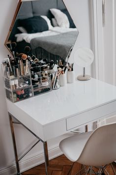 home office. Black desk chair with gold accents. White laquer desk with gold accents. The post home office. Black desk chair with gold accents. White laquer desk with gold acc appeared first on Make Up. Makeup Vanities, Makeup Vanity Case, Makeup Desk, Vanity Desk, Makeup Rooms, Diy Vanity, Ikea Makeup, Vanity Drawers, Diy Drawers