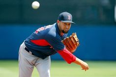 Athletics acquire Edward Mujica from Red Sox