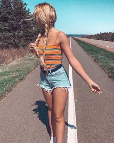31 Really Cute Summer Outfits! – Modernista life 31 Really Cute Summer Outfits! Foto Casual, Cooler Look, Trendy Swimwear, Cute Casual Outfits, Simple Outfits, Spring Outfits, Tumblr Summer Outfits, Teen Summer Outfits, Teen Summer Clothes