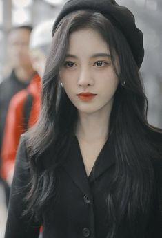 Cute Girl Photo, Girl Photo Poses, Girl Poses, Uzzlang Girl, Girl Face, Beautiful Long Hair, Beautiful Asian Women, Korean Beauty, Asian Beauty