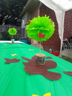 Peppa pig birthday party! Muddy puddles and apple trees!