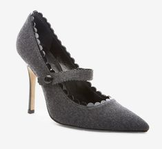 Crazy amazing! :D Manolo Blahnik Dark Grey And Black Pump