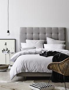 Сдержанный интерьер спальни от стилиста - Bek Sheppard #цвет #вдохновение #колористика #спальня #интерьер #color