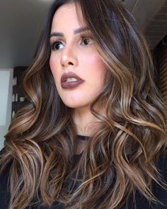 Are you going to balayage hair for the first time and know nothing about this technique? Or already have it and want to try its new type? We've gathered everything you need to know about balayage, check! Brown Hair Balayage, Hair Color Balayage, Hair Highlights, Ombre Hair, Brown Bayalage, Golden Highlights Brown Hair, Dark Brunette Balayage, Front Highlights, Carmel Highlights