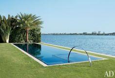 Beach Pool by 1100 Architect in Palm Beach, Florida