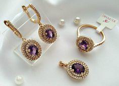 Pin by Huzaifa Khan On Jewels Gold Earrings Designs, Gold Jewellery Design, Gold Rings Jewelry, Jewelery, Kids Jewelry, Jewelry Art, Fashion Earrings, Fashion Jewelry, Pinterest Jewelry