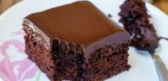 Flourless Chocolate Cake with Chocolate Glaze - Reposteria - Delicious Cake Recipes, Easy Cake Recipes, Sweets Recipes, Yummy Cakes, Yummy Food, Greek Sweets, Greek Desserts, Flourless Chocolate Cakes, Chocolate Sweets