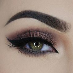 repost from @miaumauve Today's eye  Used: @tartecosmetics (Holiday 2015) Light Of The Party Takeaway Palette (Yule Be Surprised Mulberry&Bright and Shining Star eyeshadows) @lorealparisofficial Super Liner Smokissime in 101 Taupe Smoke on the lower lashline blended with @makeupgeekcosmetics Latte Eyeshadow @motivescosmetics Luxe Precision Eyeliner in Jet Black @sweetheartlashes in style Bella @eyeko Black Magic Mascara  ____________________________________________ All #motives products are…