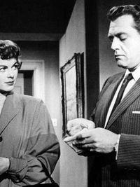 Della Street (Barbara Hale) and Perry Mason (Raymond Burr) in the field! ~ Repinned via Carole McAfee