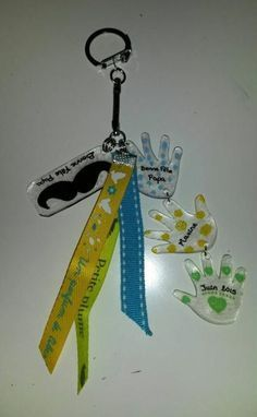 Porte clés Fête des Pères en plastique fou avec feutres posca