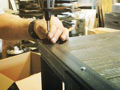 Montage des meubles #forge #design #wood #bois #acier #steel #atelier #workshop #hand #made  #glass #verre