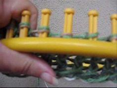 FLAT KNITTING using a ROUND loom
