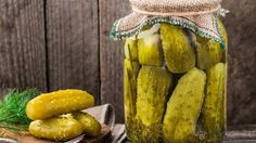 Tipy na spracovanie úrody. 14 Day Sweet Pickle Recipe, Best Pickles, Homemade Detox, Real Homemade, Homemade Pickles, Pickles Recipe, Pickle Jars, Fermented Foods, Preserving Food