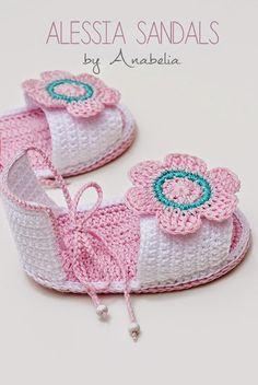 Alessia baby sandals, crochet PDF pattern