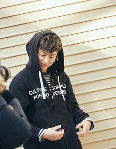 shin Shin Cross Gene, Won Ho, K Pop Music, Korean Singer, Addiction, Rain Jacket, Windbreaker, Kpop, Actors