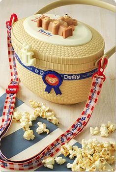 Duffy The Disney Bear 2014 Popcorn Bucket- I want this!!!!