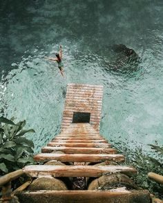 follow me on pinterest @bekahhopeofficial | what a view! cyrstal clear turquoise water and a beach house ladder
