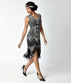 Unique Vintage 1920s Deco Silver & Black Veronique Fringe Flapper Dress 20s Dresses, Unique Dresses, Maxi Dresses, Vintage Dresses, Dresses Online, Flapper Dresses, Great Gatsby Party Dress, Great Gatsby Fashion, 1920s Dress