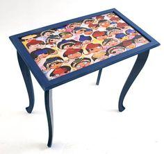 mesa azul pintada