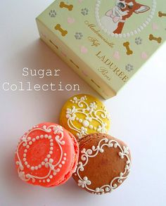 macarons décorés, par the sugar collection / beautiful piping on macarons, by the sugar collection