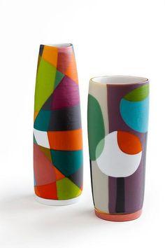 Bild - pintura e desenhos - glaskunst Bottle Painting, Bottle Art, Pottery Vase, Ceramic Pottery, Ceramic Painting, Ceramic Art, Keramik Design, Painted Plant Pots, Pottery Painting Designs