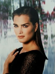 Brooke Shields - brooke-shields Photo Most Beautiful People, Beautiful Women, Brooke Shields Young, Vaquera Sexy, Deep Winter Colors, Pretty Baby, People Photography, 90s Fashion, American Actress