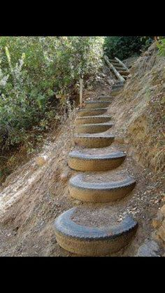 Recycled tires outdoor stairs for by the creek! You know we have old tires! Outdoor Projects, Garden Projects, Outdoor Decor, Garden Paths, Garden Art, Tire Garden, Walkway Garden, Hillside Garden, Terrace Garden
