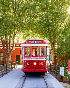 All aboard Bendigo Tramways 🚋 an iconic hop-on, hop-off tour where guests can take in the sights of Bendigo. Visit Victoria, Australian Beach, Tour Guide, Cool Places To Visit, Melbourne, Tourism, Explore, Adventure, Architecture