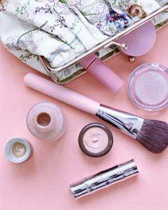 En güzel ve #bakımlı sen olacaksın!  #Albidicom 'dan satın alacağın makyaj malzemelerini güvenle kullanabilir, güzelliğine #güzellik katabilirsin.