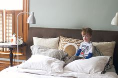 Check the wall color: Sherwin-Williams' Comfort Gray