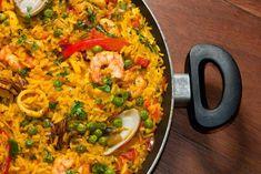 Rice Recipes, Seafood Recipes, Dinner Recipes, Cooking Recipes, Healthy Recipes, Paella Marinera Recipe, Portuguese Recipes, Rice Dishes, Food Inspiration