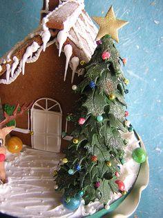 Christmas Tree by Osedo L Cakes, via Flickr