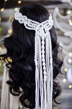 Macrame Headband, Macrame Dress, Macrame Wall Hanging Patterns, Macrame Patterns, Veil Diy, Boho Stil, Hair Decorations, Macrame Design, Dress Tutorials