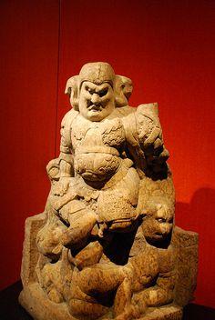 Lokapala, Tang Dynasty, Mountain Armor on statue