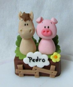 Barnyard Cake, Farm Cake, Farm Themed Party, Farm Party, Hubby Birthday, Farm Birthday, Fondant Figures, Farm Animal Cupcakes, Fondant Animals