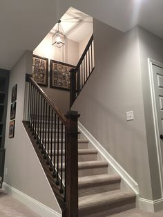 Take a look at this refreshing curved staircase - what an imaginative conception Diy Stairs, Banisters, Staircase Design, Home Remodeling, House, Diy Stair Railing, Basement Remodeling