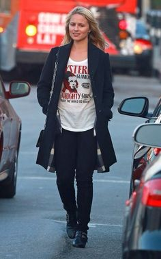 Love this casual fall look on Dianna Agron!