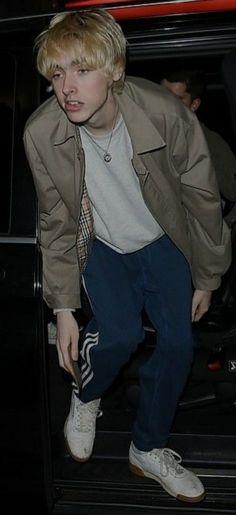Gene Gallagher, Lennon Gallagher, Liam Gallagher Oasis, Indie Boy, Country Girls Outfits, Celebrity Stars, Girl Bands, Indie Fashion, Boyfriends