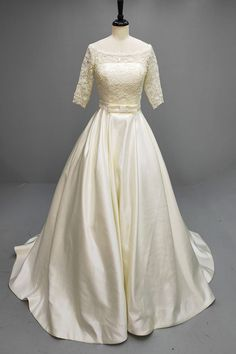 Opt for our cream colored bridal dress for your dream wedding! White, Ivory, Champagne and Blushing Pink available as well! Lace Evening Dresses, Satin Dresses, Bridal Dresses, Lace Dress, Affordable Wedding Dresses, Designer Wedding Dresses, Wedding White, Dream Wedding
