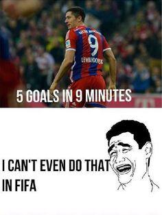 Robert Lewandowski zrobił coś niesamowitego • 5 goli w 9 minut ja nie zrobiłbym tego nawet w FIFie • Wejdź i zobacz śmieszny mem >>