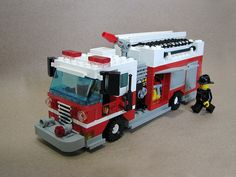 Lego Fire Pumper, via Flickr. Lego Wheels, Lego Village, Lego Fire, Lego Truck, Lego City Sets, Lego City Police, Cool Lego Creations, Lego Worlds, Lego House