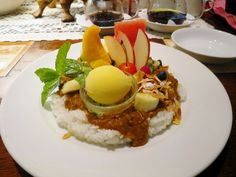 Excuse me waiter, but there's fruit in my curry...  A Votre Santé Endo in Ginza, Tokyo