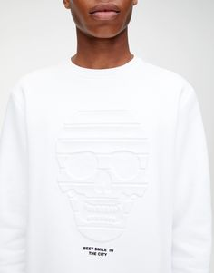 Dessuadora calavera efecte relleu - PULL&BEAR Good Smile, Baby Boy, Graphic Sweatshirt, Bear, Sweatshirts, Sweaters, Fashion, T Shirts, Men