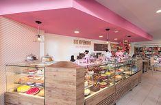 Cake Shop Interior, Bakery Interior, Cafe Interior Design, Cafe Design, Cake Shop Design, Bakery Design, Bakery Store, Bakery Cafe, Deco Restaurant