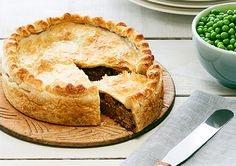 Classic Mince and Cheese Pie Classic Mince and Cheese Pie recipe – Countdown Recipes Easy Pie Recipes, Mince Recipes, Cooking Recipes, Minced Beef Recipes Easy, Mince Meals, Mince And Cheese Pie, Cheese Pies, Steak And Cheese Pie Recipe, Easy Mince Pies