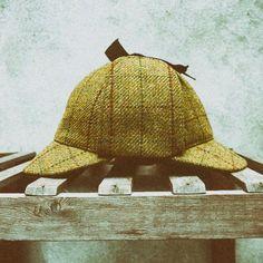The one worn by Sherlock. Sherlock, Tweed, Crochet Hats, Menswear, Cap, Clothes, Products, Knitting Hats, Baseball Hat