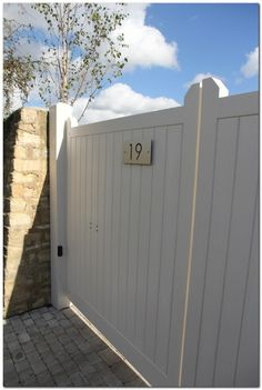 50 Classic Wooden Gates Will Make Your Home Look Great The Urban Interior Wooden Garden Gate, Wooden Gates, Garden Fencing, Wooden Fences, Side Gates, Front Gates, Entrance Gates, Driveway Gate, Fence Gate