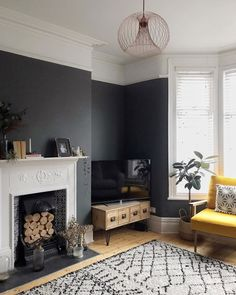 Image may contain: 1 person, living room, table and indoor Navy Living Rooms, Living Room Decor Cozy, New Living Room, Living Room Color Schemes, Living Room Designs, Snug Room, Victorian Living Room, Living Room Inspiration, Room Interior