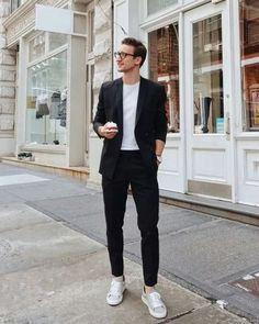 18 Men's Easter Outfits He'll Look On-Point In Black And White Outfit For Men, Mens White Suit, Black Women, Mens Suits, Style Casual, Smart Casual, Men Casual, Men's Style, Classy Style